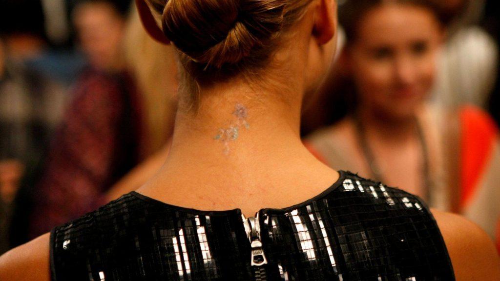 ジェシカアルバのタトゥー